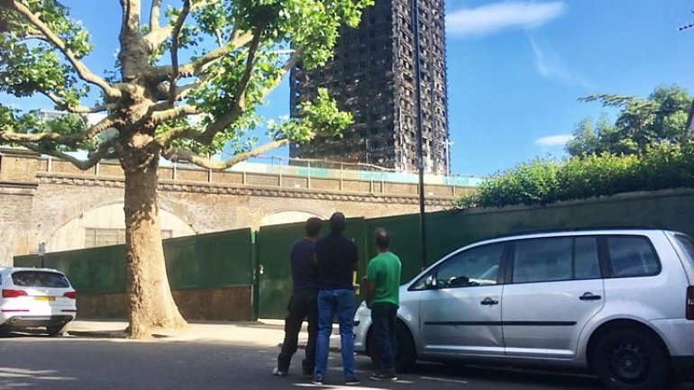 Grenfell Tower fire: Estate residents call for thorough inquiry