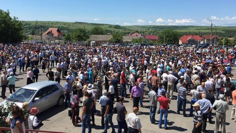 THOUSANDS of Moldovans RALLY for change of electoral system (PHOTO/VIDEO)