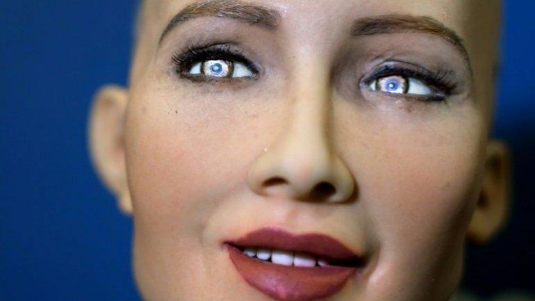 Meet Sohia -- ultra-lifelike robot