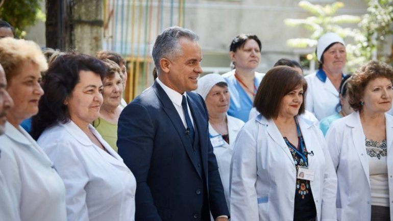 Vlad Plahotniuc congratulates doctors and pharmacists on their professional day