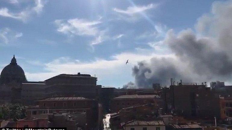 Vatican on FIRE. Explosion in garage feared
