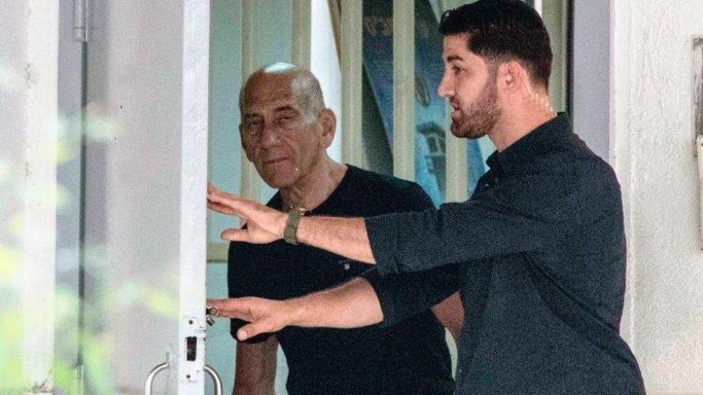 Israeli ex-premier, sentenced for corruption, released on parole