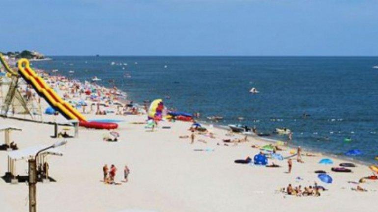 Zatoka, sought-after beach to Moldovans in summer