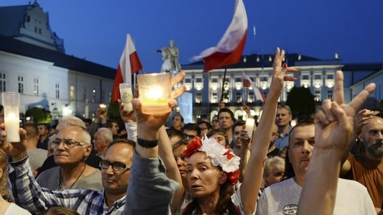 Poland may be stripped of EU voting rights over judicial independence