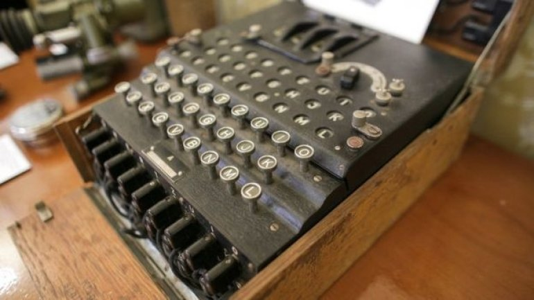 World War II €100 typewriter sold for €45,000