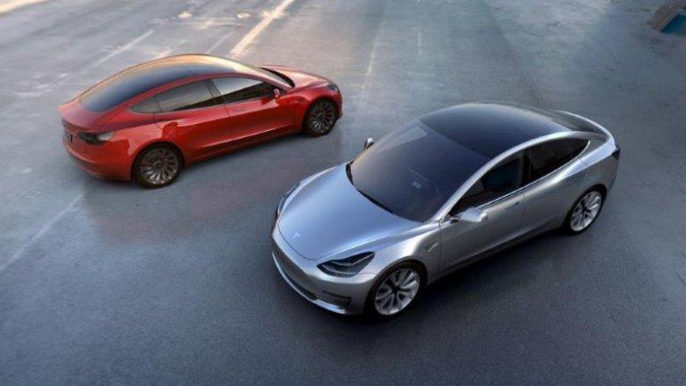 Elon Musk says Model 3 has got all regulatory aprovals