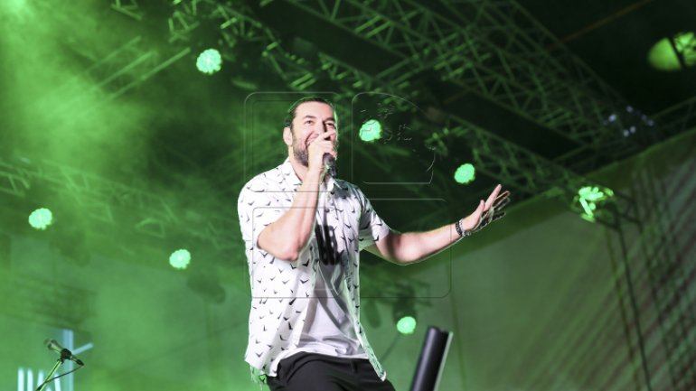 Over 100,000 spectators overwhelmed by unprecedented music concert in Chisinau center (Photos)