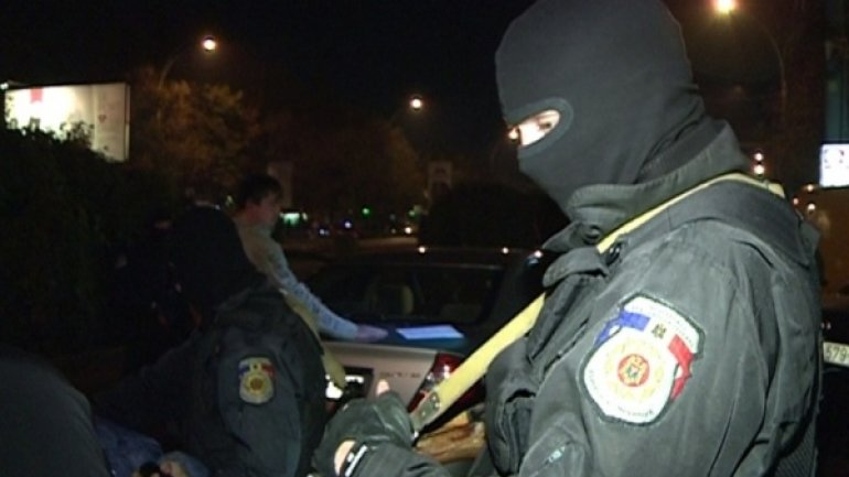 Fulger staged police raids on Chisinau night clubs - good command of internal minister (video)