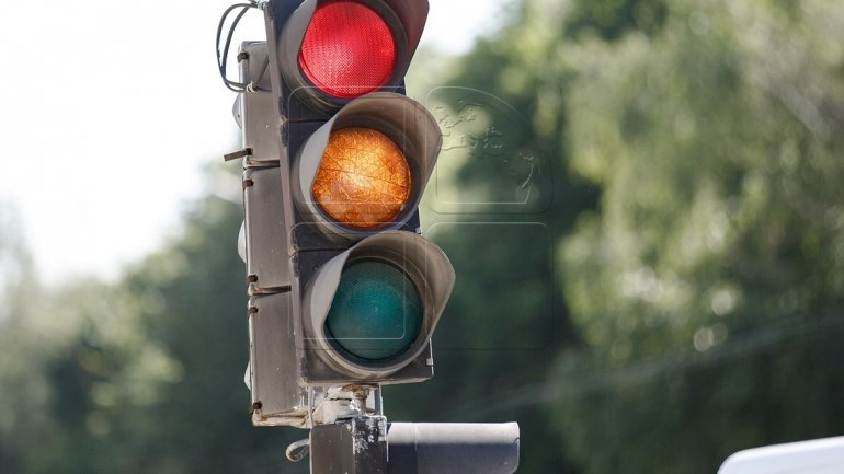 Traffic lights on new schedule on Dacia Boulevard