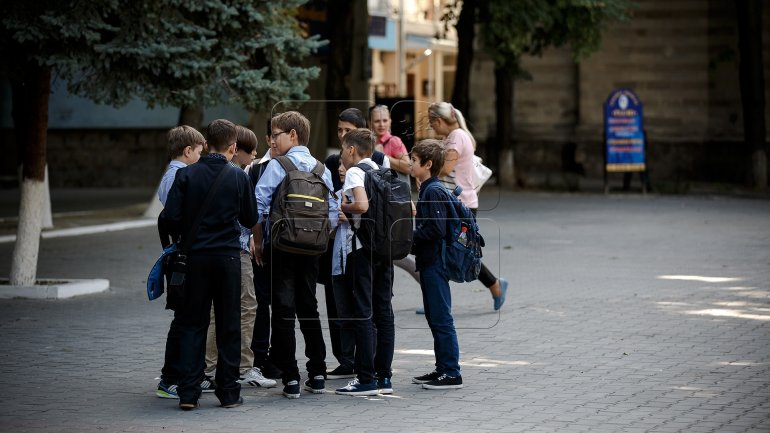 Diaspora pupils encounter issues when returning to study in Moldova