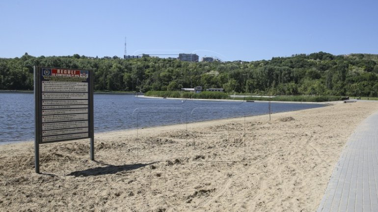 Swimming forbidden in Chisinau lakes due to harmful bacteria found