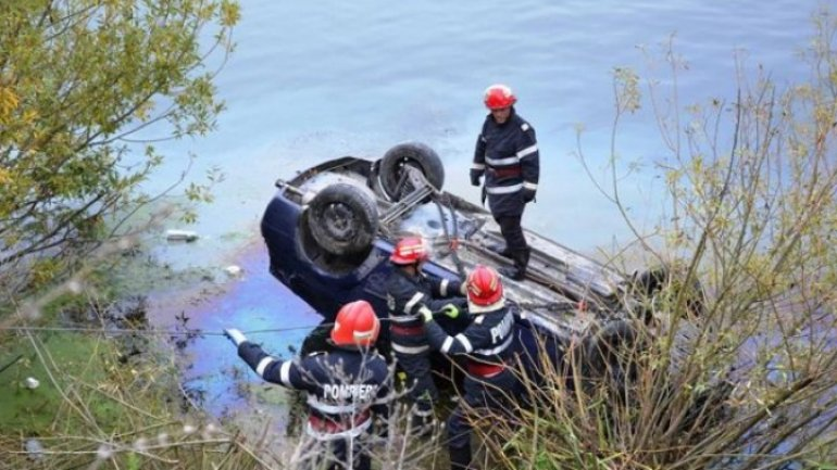 8-year-old dead after car fell into lake near Comrat