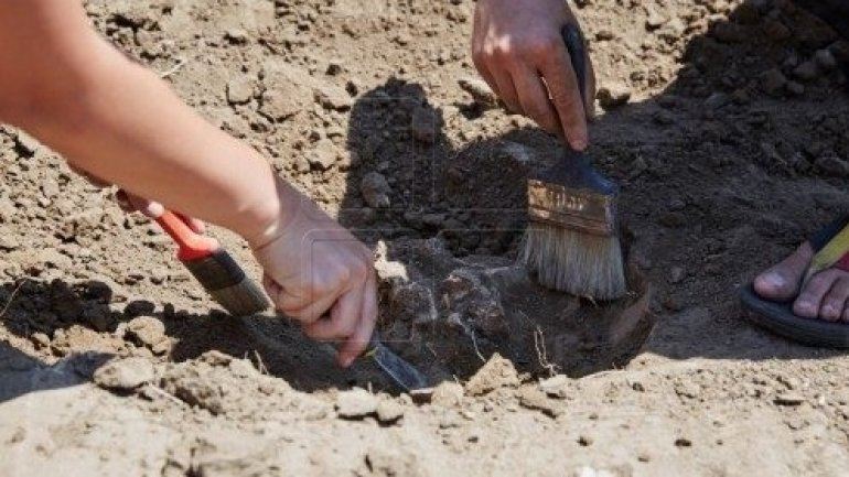 Three graves dating back to Medieval Ages discovered in Orheiul Vechi