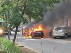 Car suddenly set on fire on 31 August st. of Chisinau (video)