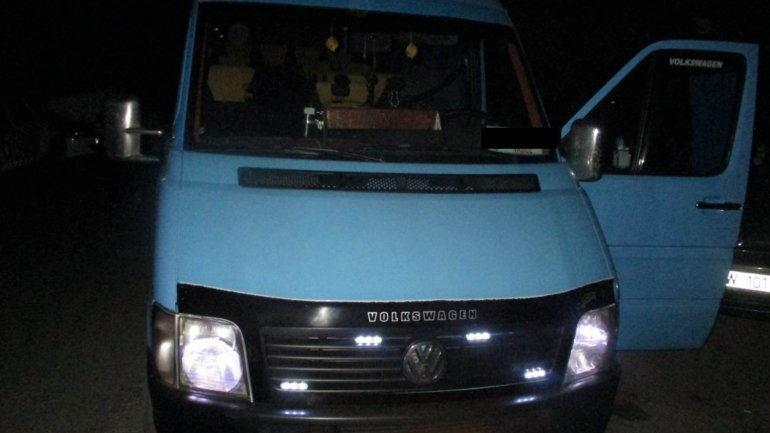 Young man faces charges for stealing minibus parked in a yard in Chisinau