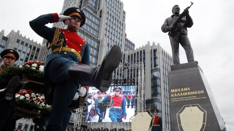 Russia unveils monument of AK-47 creator, Mikhail Kalashnikov