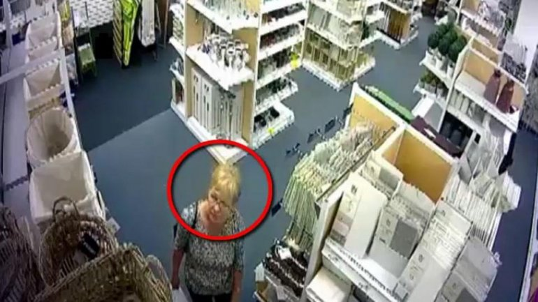 Woman wanted by police for theft