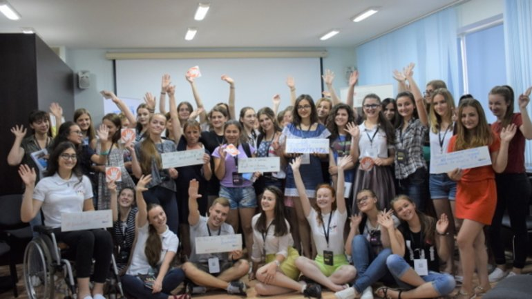 Girls in Moldova hone their STEM skills and take a stand against domestic violence