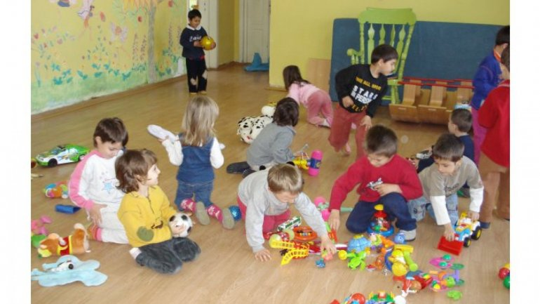 Over two thousand children are on wait list for preschools Bălţi