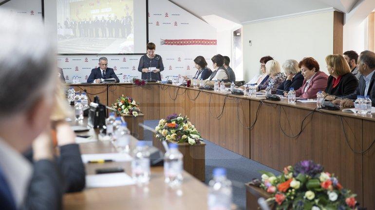 Vlad Plahotniuc met with members of the elder's organization 'Tezaurul Națiunii'