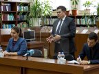 Octavian Calmîc urged students from ASEM to not fear starting a business