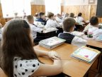 Horror in school: 35 pupils from Băiuş village studying amongst repair noise
