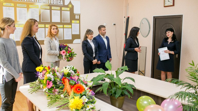 First pedagogue wins title 'beloved teacher' in contest organized by Vlad Plahotniuc's Edelweiss (Photo)