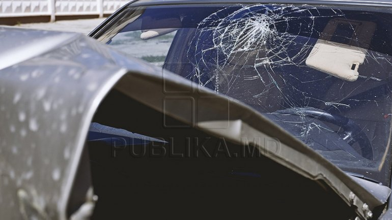 Four officers gravely injured after car and truck collision in Sângera