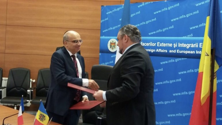 Andrei Galbur signed agreement meant to ease reintegration of Moldovan citizens returning from France