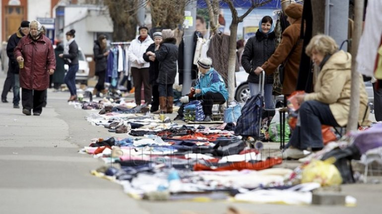 New law for commercial activity in Capital. Street vendors forbidden and booths evacuated