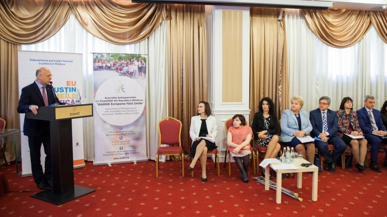 Pavel Filip at National Forum of Women with Disabilities: All citizens deserve a chance to prove themselves