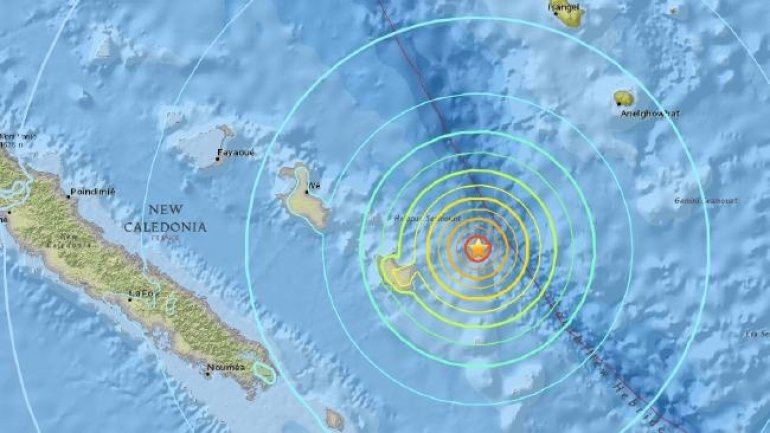 Evacuation ordered as 7 magnitude earthquake and small tsunamis hits New Caledonia