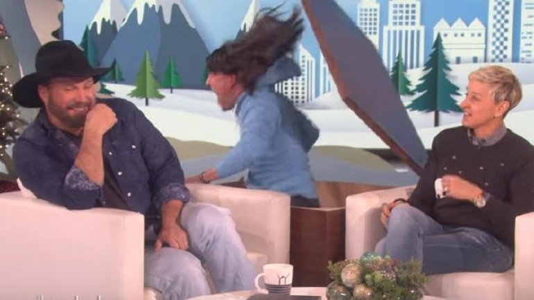 The Ellen Show failure: Jump Scare made guest Garth Brooks laugh