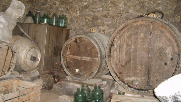 Wine fermentation caused two deaths and one poisoning in Pelinei village
