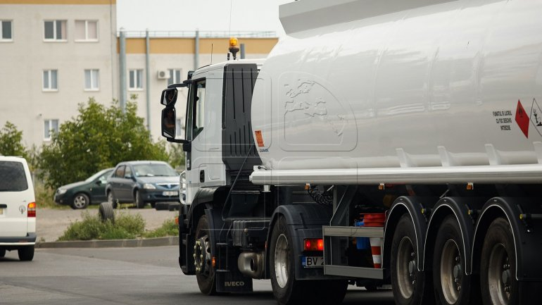 Truck driver banned from exiting Moldova for presenting false driver's license