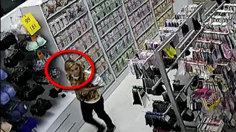 Daylight robbery: A woman got wanted by police for stealing HTC phone in capital shop (video)