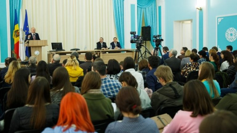Filip's visit to Cahul: Firm promised to finish Bogdan Petriceicu Haşdeu theater by 2018
