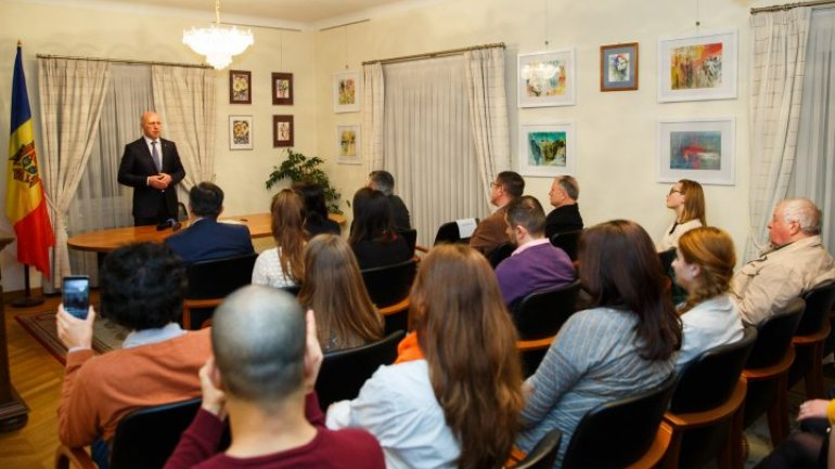 Prime Minister, Pavel Filip discussed with Modovan Diaspora from Belgium