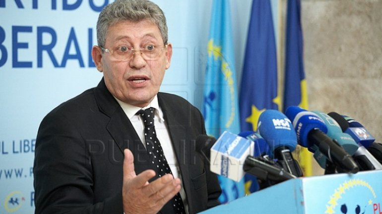 Liberal and Socialist parties contest against Grovazu's decisions