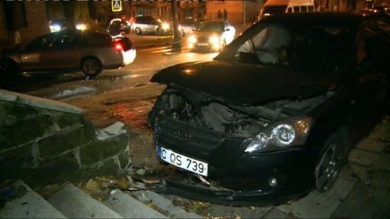 Two cars were seriously damaged after grave accident in capital (video)