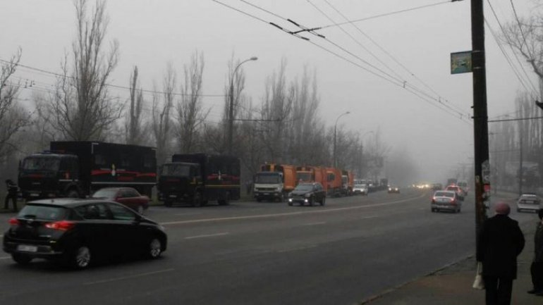 Garbage trucks started saving Bălți from rubbish epidemic after Government meeting (video)