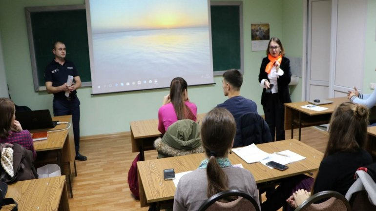 Domestic violence informative lesson held for students from ULIM, USM and UTM
