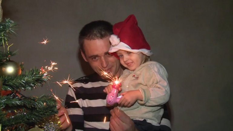 Edelweiss brings Christmas to a family from Bălţata village