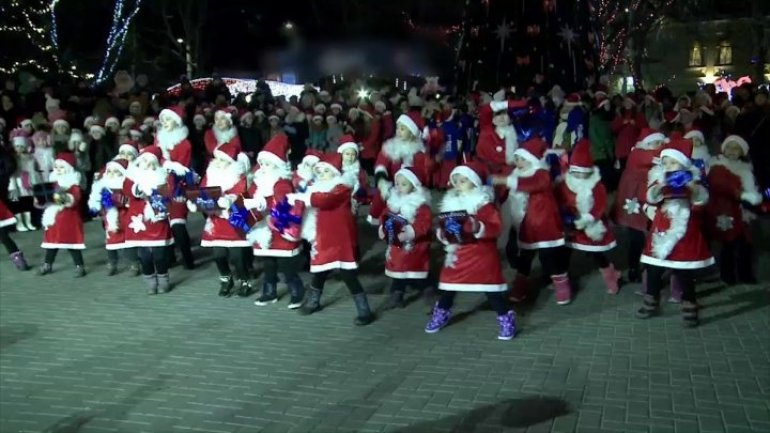 Chisinau's Christmas vibes: Over 250 little Santa Clauses stirred festive atmosphere in National Theater of Opera and Ballet Maria Biesu
