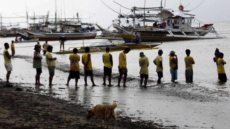 At least 4 dead and 140 saved as typhoon capsized ferry with 251 passengers on board in Philippine