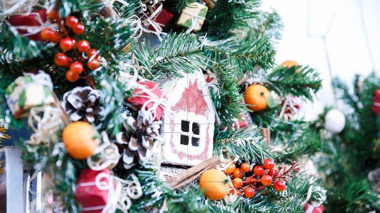 Moldova's politicians sent citizens congratulatory messages on Christmas