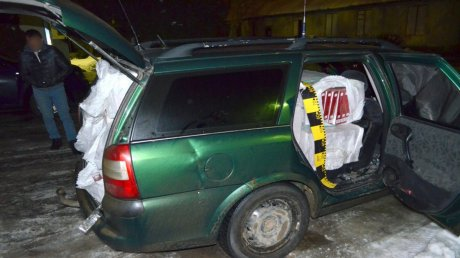 Moldovan transporting 7 400 packs of cigarettes searched in Romania for smuggling