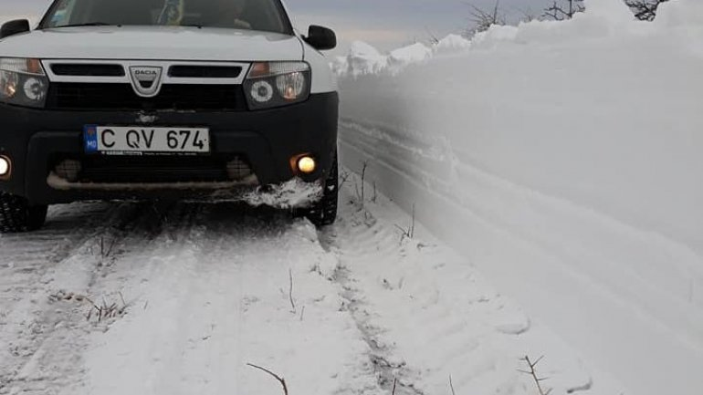 Snow reached height of a car in Cimișlia