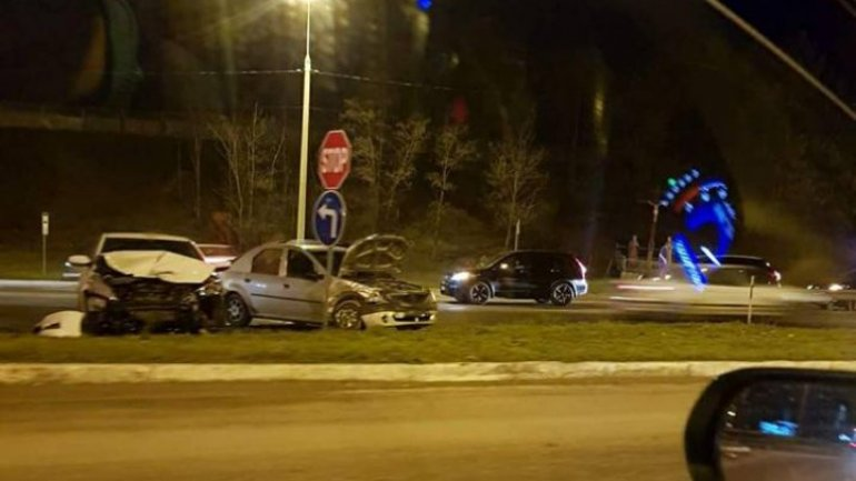 Two cars hit violently in Ialoveni (Photos)