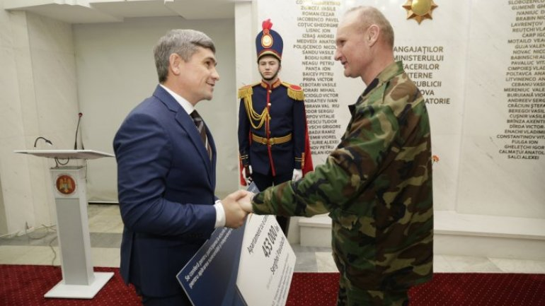Three war veterans received one-room apartment in Chisinau (Photo)
